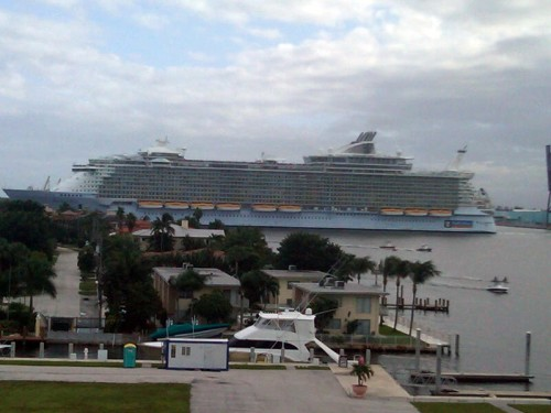 Allure of the Seas leaving Port Everglades