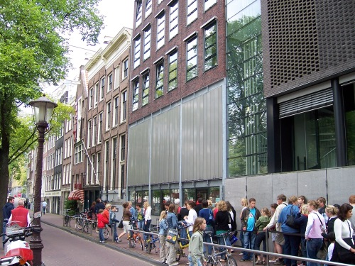 Waiting in line at Anne Frank House